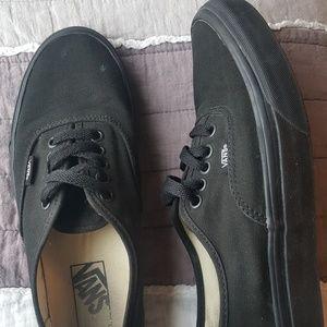 Unisex all black Vans